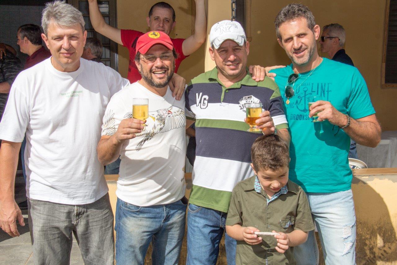 Monitor Candiani, atiradores Mumic, Prates (hoje Sargento da PM Rodoviária) e Martins (Monitor Galvão ao fundo)