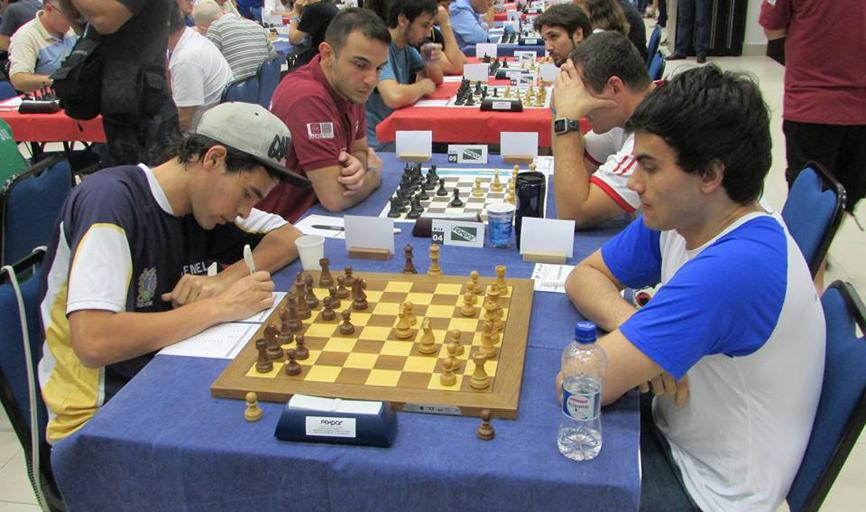 GM Evandro Amorim Barbosa, à direita em primeiro plano, teve excelente atuação em Caiobá
