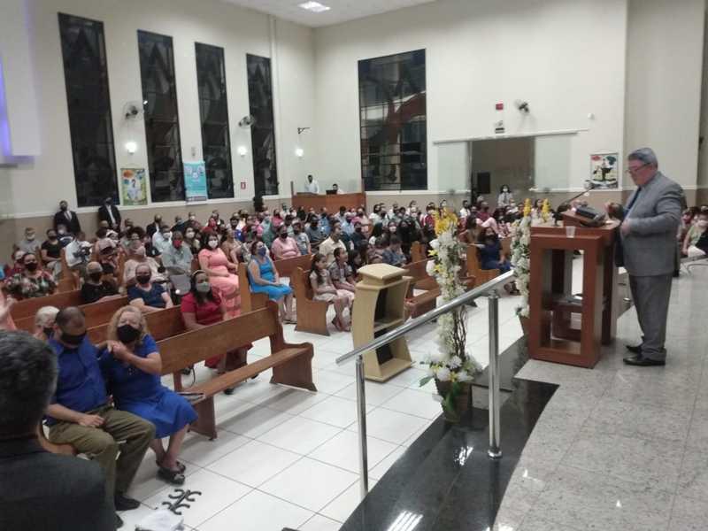 Pastor Jessé Duarte é o responsável pela igreja e coordenador da Regional Setor 11