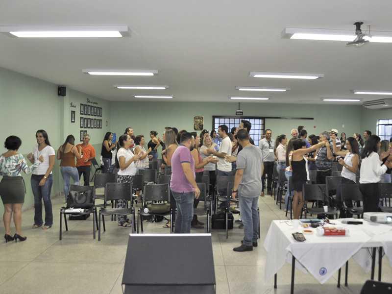 Durante as atividades participantes do encontro realizaram varias dinâmicas em grupo