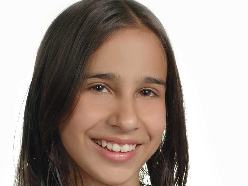 Thais Caroline de Oliveira Nogueira muda de idade neste sábado, 1º de dezembro. Votos de muitas alegrias, saúde, prosperidade e felicidades. Parabéns!