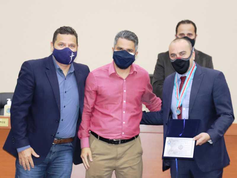 Vereador Marcos Antonio Vitorino (PSC), prefeito Marcelo Morais (PSC),  deputado estadual Noraldino Júnior (PSC-MG) e ao fundo o presidente da Câmara Municipal Lisandro Monteiro