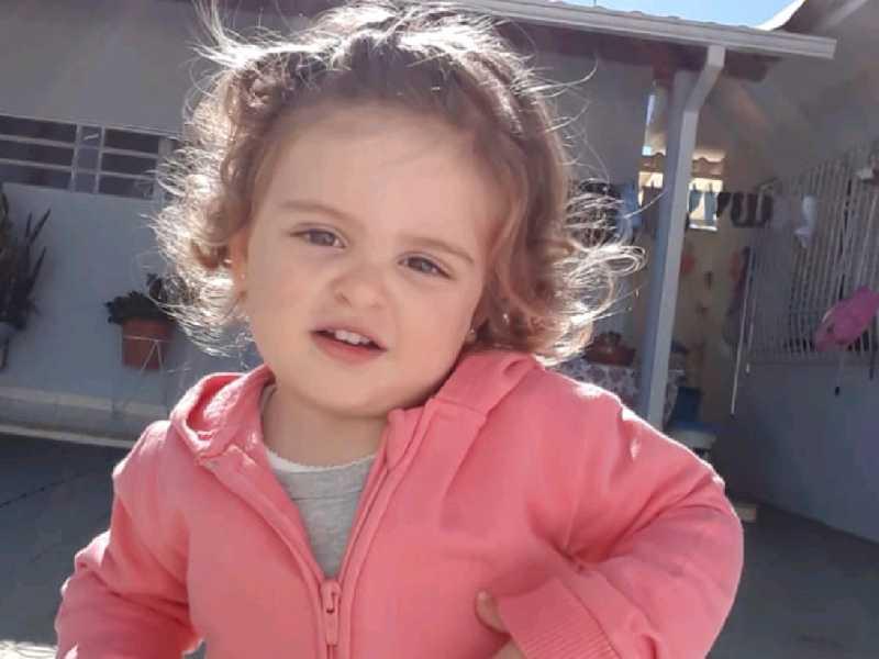 Luna Ribeiro Faria, filha de Michelle Aparecida Ribeiro e  Adailson Faria, aniversariou nesta sexta, dia 4 de outubro. Sua tia e madrinha, Flávia, a parabeniza pelos seus dois aninhos! Uma luz em nossas vidas!