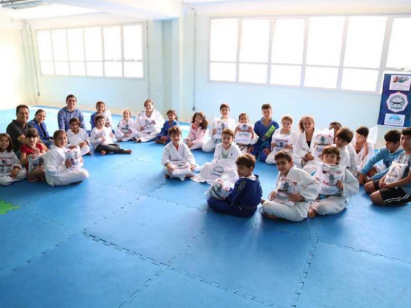 Projeto Kano de Judô reúne dezenas de alunos em São Sebastião do Paraíso