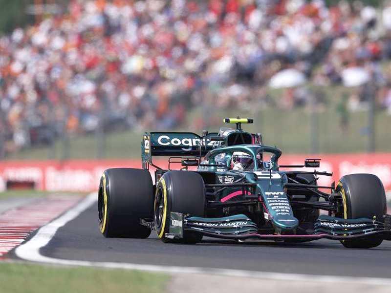 O litro de gasolina que faltou no tanque do Aston Martin de Sebastian  Vettel pode ser o vilão da disputa entre Hamilton e Verstappen