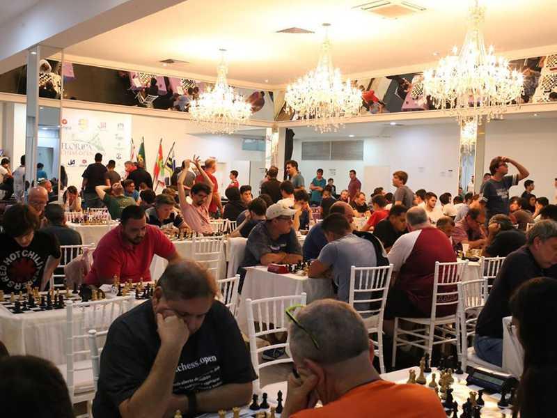 Floripa Chess Open reuniu quase 400 jogadores de 10 países