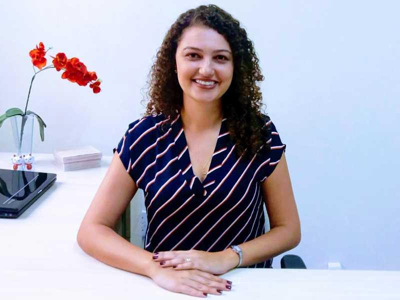 Atualmente Fernanda atende na Clínica de Especialidades Núcleo Psique, na Delfim Moreira, 1448, Centro