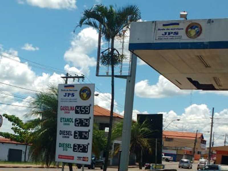 No posto JPS no São Judas Tadeu, onde se vende o preço mais barato do litro do Etanol e Diesel em Paraíso