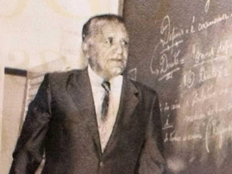Professor e poeta Fábio Mathias Mirhib