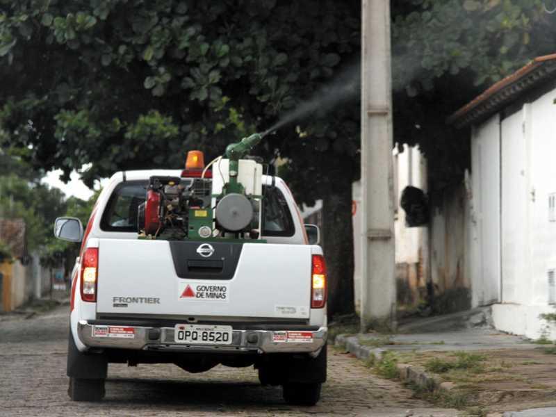 Veículo que aplica veneno conhecido como fumacê é cedido pela SRS para ajudar no combate ao mosquito transmissor da dengue