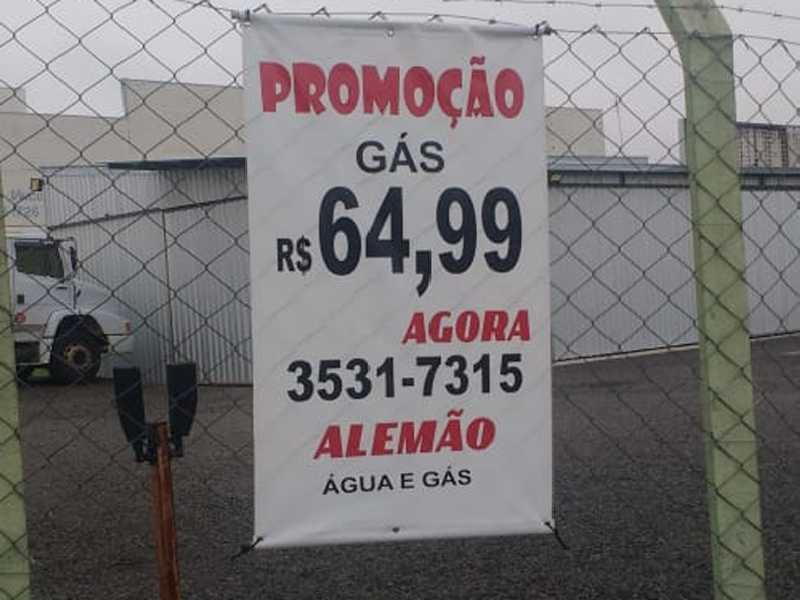 Maioria absoluta dos revendedores de gás de cozinha estão  vendendo o botijão de 13 quilos no local da compra por R$ 65,00