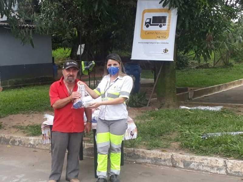 Em São Sebastião do Paraíso atendimentos aos caminhoneiros ocorreu no km 400