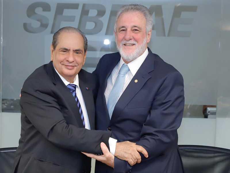 José Roberto Tadros presidente da CNC e o novo presidente do SEBRAE Carlos Melles