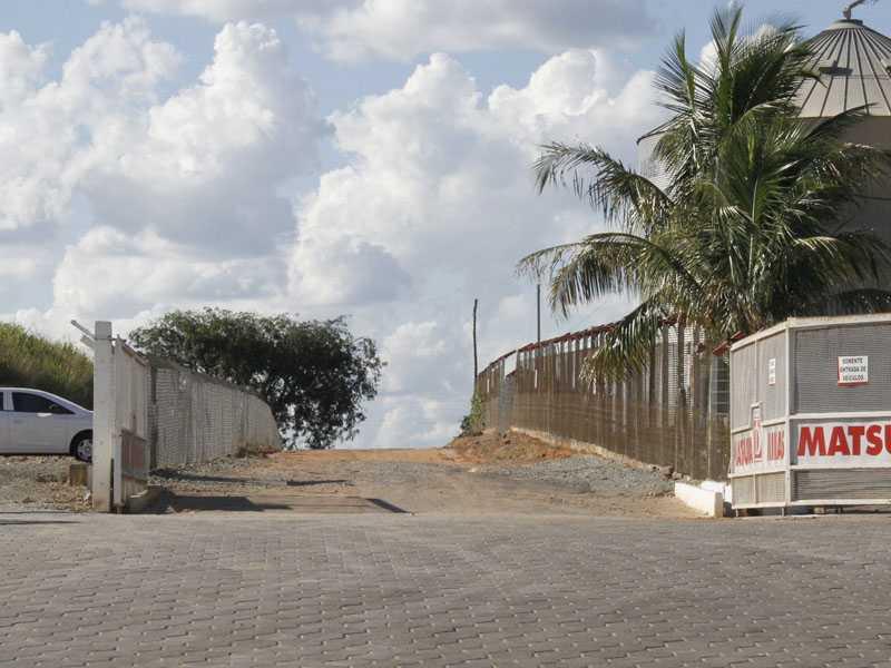 ...a empresa precisa fechar o acesso à estrada da Itaguaba, situação que gerou polêmica em meados do ano passado.