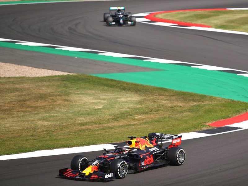 Verstappen venceu em Silverstone e quebrou a sequência de vitórias da Mercedes