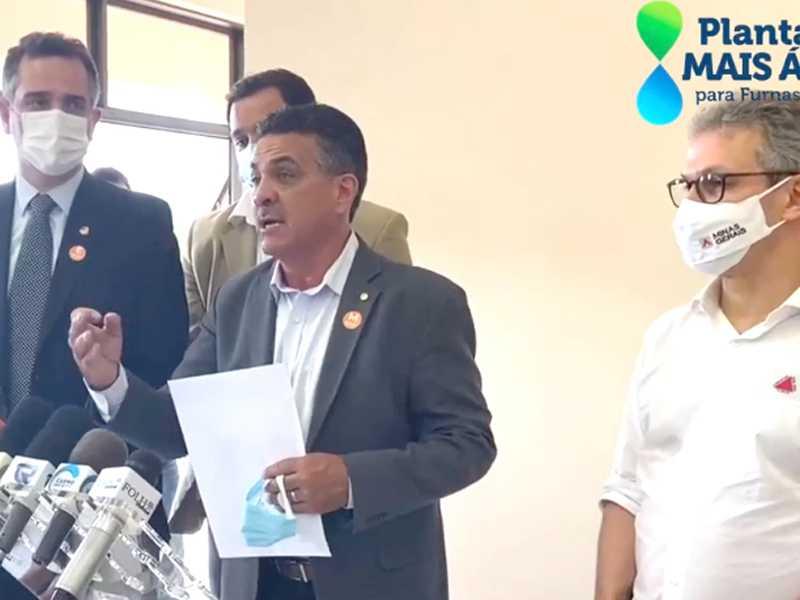 Deputado Emidinho Madeira idealizou projeto de recuperação da bacia do lago de Furnas