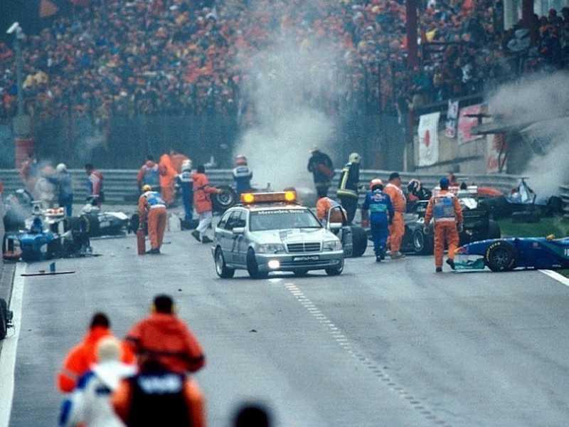 Acidente 'monstro' na largada do GP da Bélgica de 1998