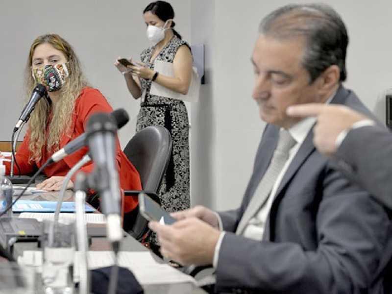 Beatriz Cerqueira é a autora das emendas acatadas no parecer. Projeto é considerado fundamental para o governo, a fim de manter a prestação de serviços públicos em 2021