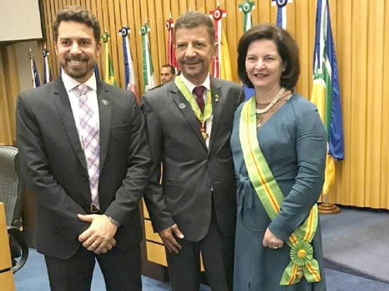 Dr. Rômulo Aguiar Generoso, entre Giuliano Melles e a Procuradora Geral da República, Dra. Raquel Dodge