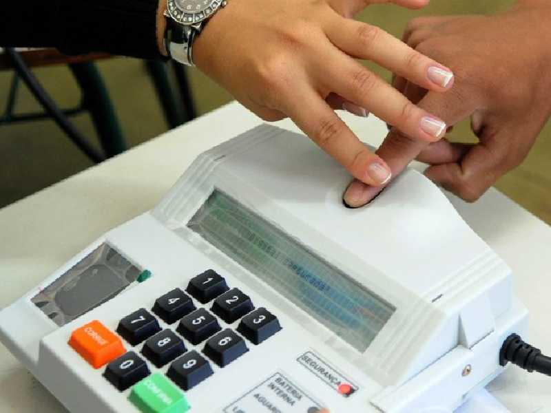 Até o início do ano o processo de identificação biométrica continuava sendo realizado em vários municípios, mas foi suspenso com o decreto de pandemia