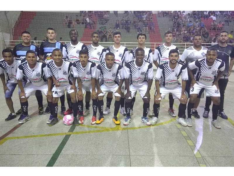 Jovem equipe de Paraíso reúne atletas de uma nova geração do futebol de salão da cidade