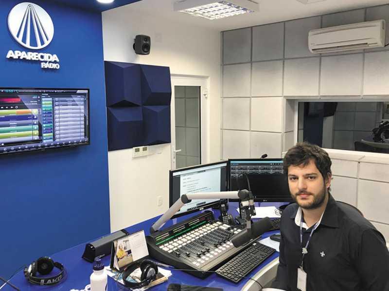 Bianchini está no ar pela Rádio Aparecida na frequência 104.3 FM, a partir das 15h45