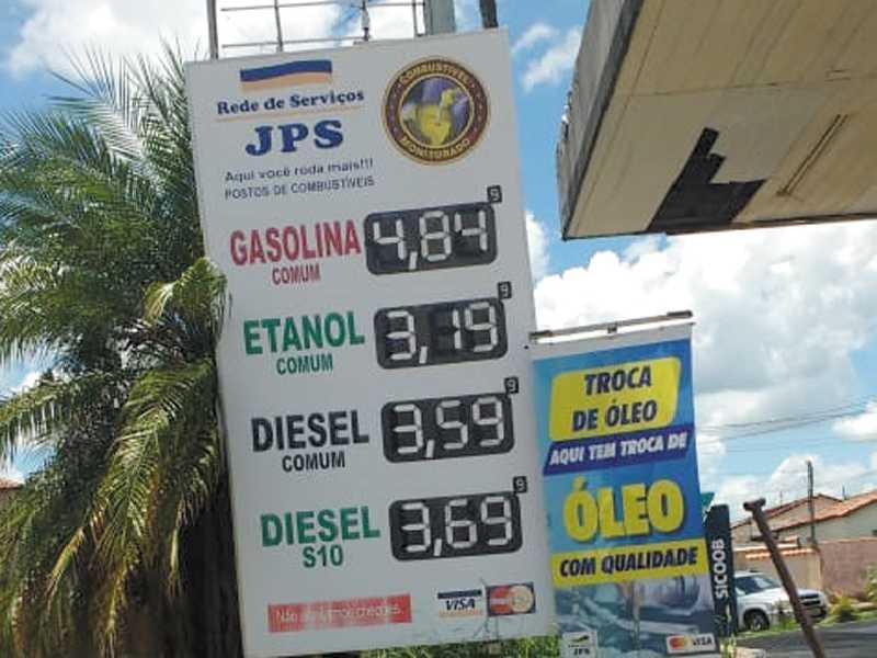 No Posto JPS onde se vende o litro do  Diesel mais barato em Paraíso R$ 3,599