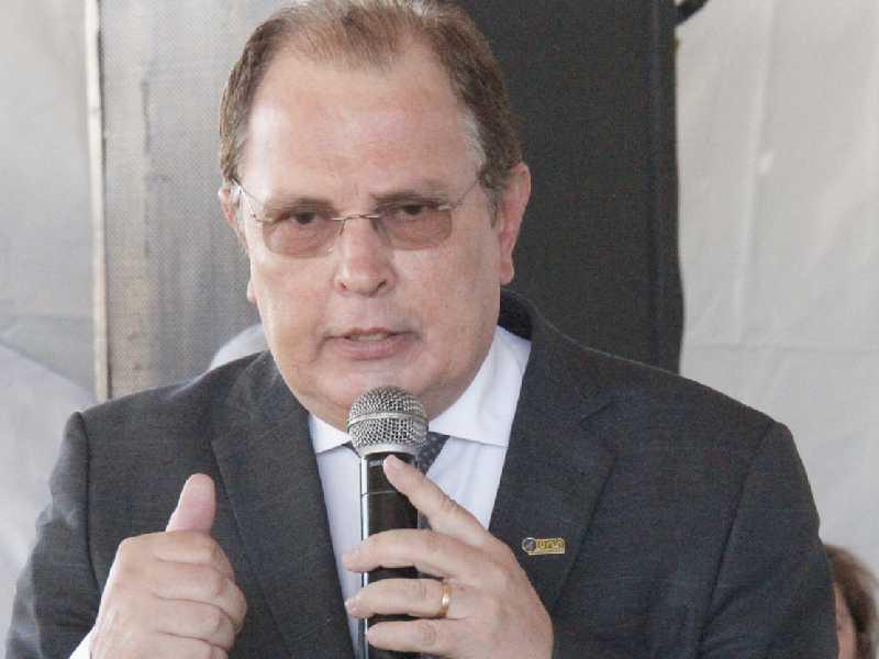 Reitor e professor José Roberto Soares Scolforo