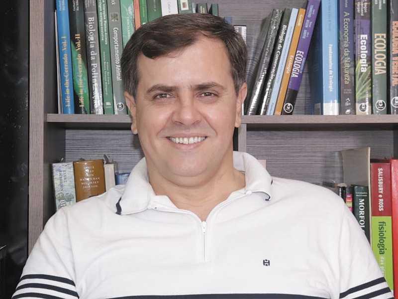 Hipólito é professor e coordenador do Curso de Ciências Biológicas na Universidade do Estado de Minas Gerais (UEMG/Campus Passos)