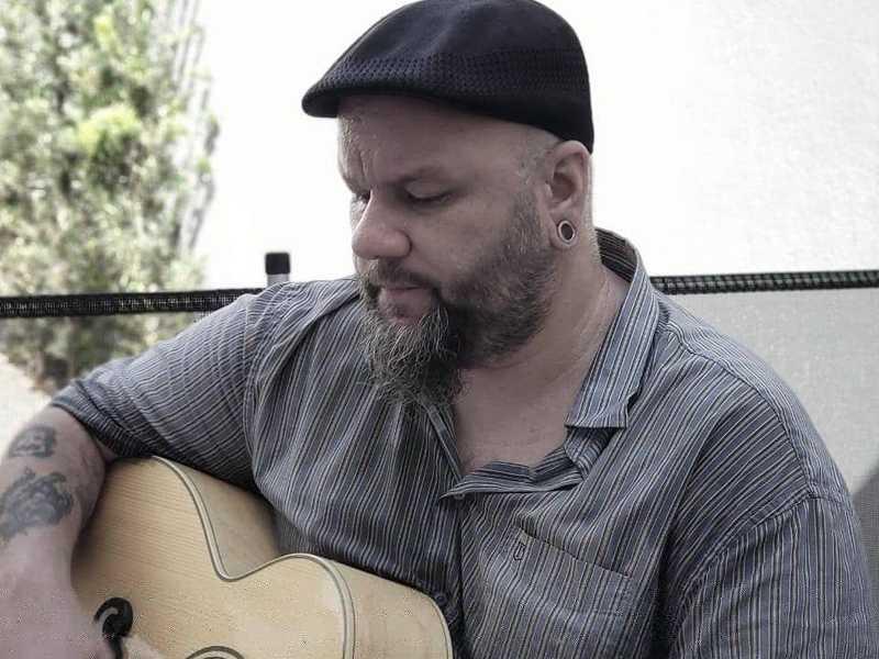 O músico e jornalista Rafael Reparador Cardoso comemora hoje seu aniversário