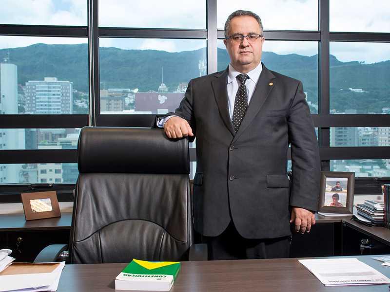 Presidente do TJMG, desembargador Nelson Missias de Morais