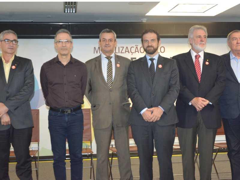 Lideranças representantes dos governos federal e  estadual participaram do lançamento do programa