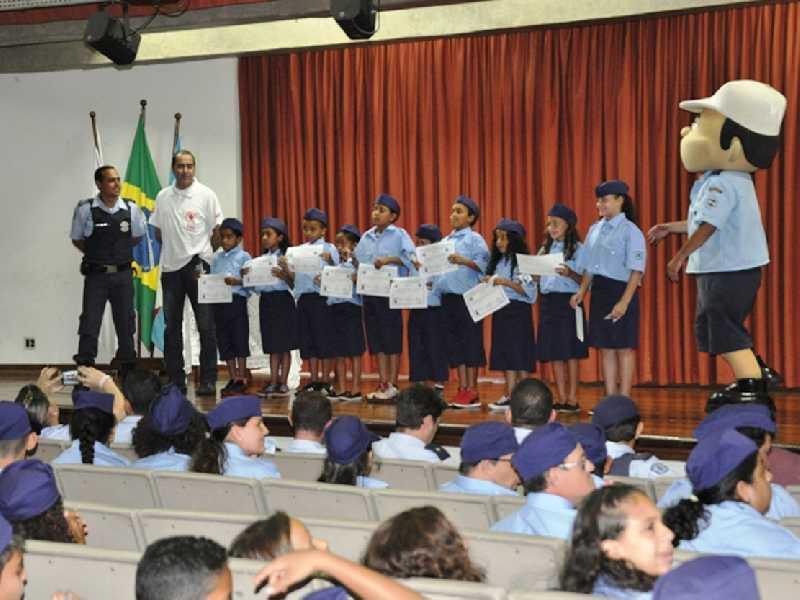 Alunos de cinco escolas do município participam do projeto realizado entre março e dezembro