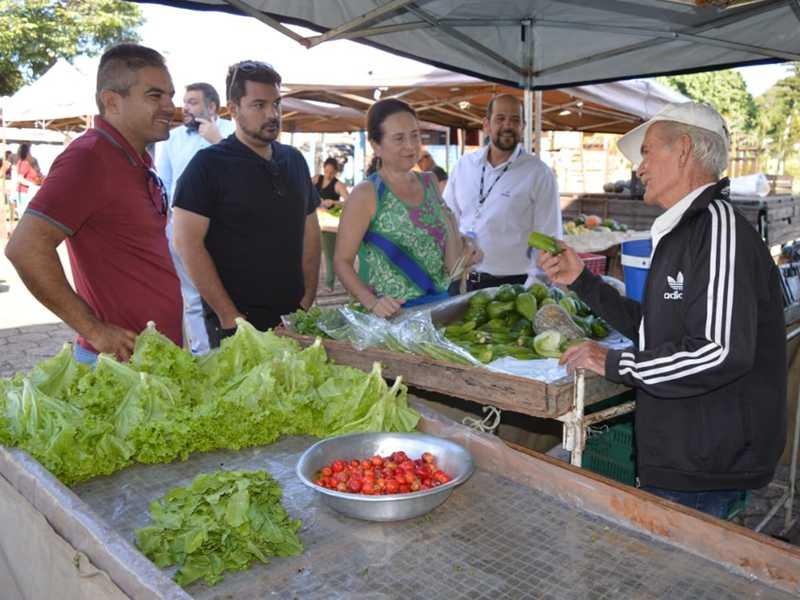 Pesquisadores estiveram na cidade e visitaram feiras, escolas e  outros locais para conhecer as origens da comida  de Paraíso