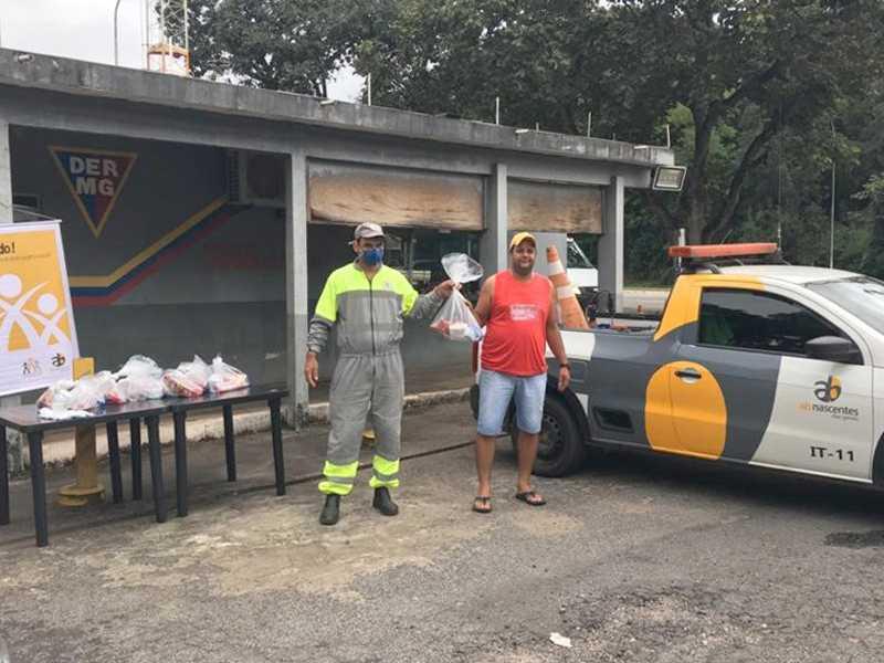Concessionária iniciou entrega de kit de alimentos e produtos de higiene no complexo rodoviário que inclui Paraíso