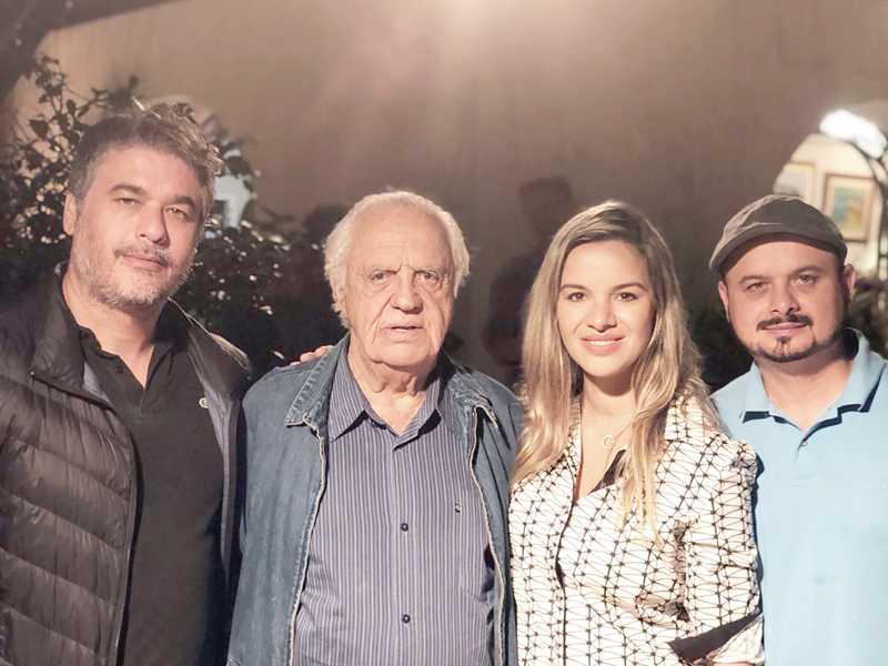 Os irmãos Eduardo, Leco e Myrian Campos, da Associação Esporte e Vida, com este colunista