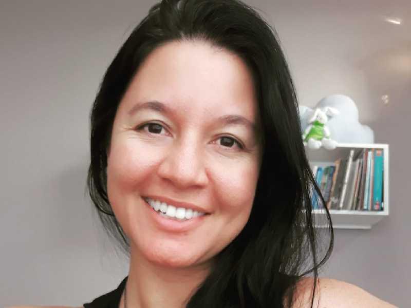 Any é psicóloga e atualmente atende em consultório particular e também presta serviços para o Hospital Gedor Silveira