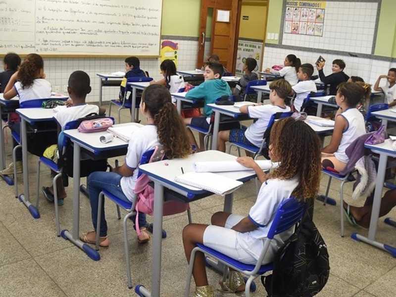 Na expectativa da chegada da vacina, escolas debatem e preparam volta às aulas presenciais no próximo ano