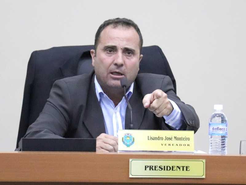 Em fala polêmica, Lisandro sugere que Walkinho renuncie  ao cargo para que seu grupo possa assumir a Prefeitura