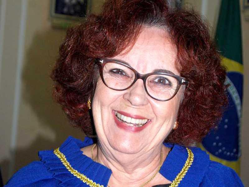 Dia 15 a Professora Francisca Borges da Cunha, membro da Academia Paraisense de Cultura