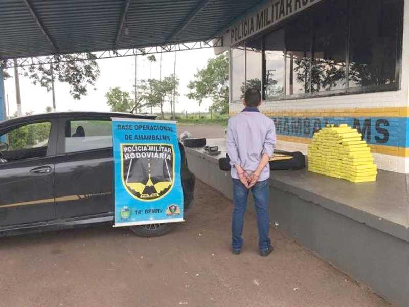Motorista de carro com maconha, reside em Paraíso e usava uniforme de empresa para tentar despistar a polícia
