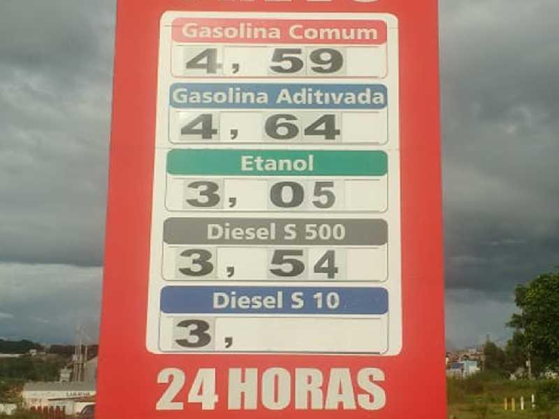 Posto do Trevo em PARAISO,  onde se vende o litro da gasolina mais barato, R$4.59