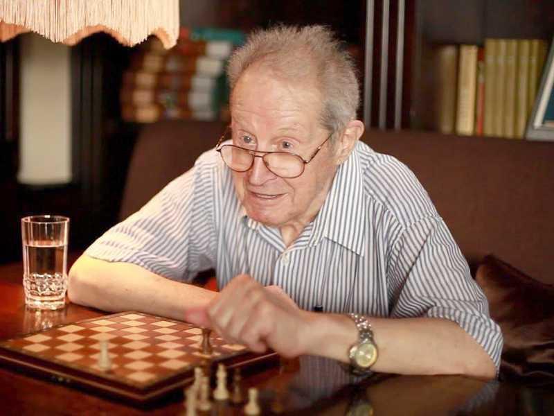 Grande Mestre de xadrez Yuri Averbakh