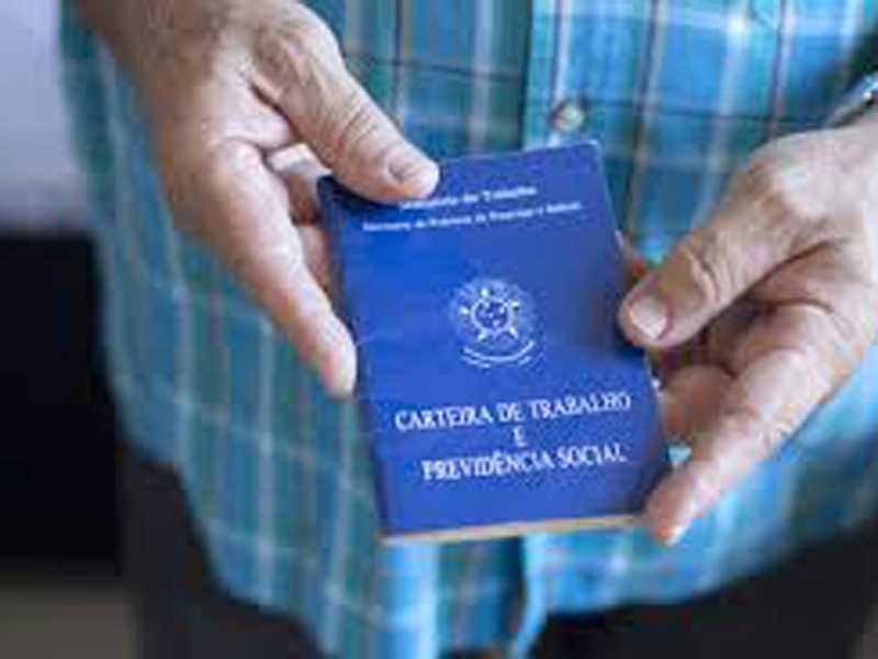 Município encerrou novembro com 471 trabalhadores admitidos com carteira assinada