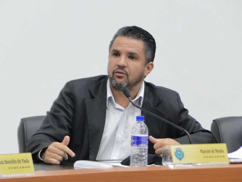 Ambos projetos são de autoria do vereador  Marcelo de Morais, que contradiz justificativa do prefeito