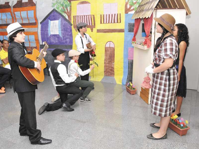 Música - A história da música de serestas - 5º ano (2)