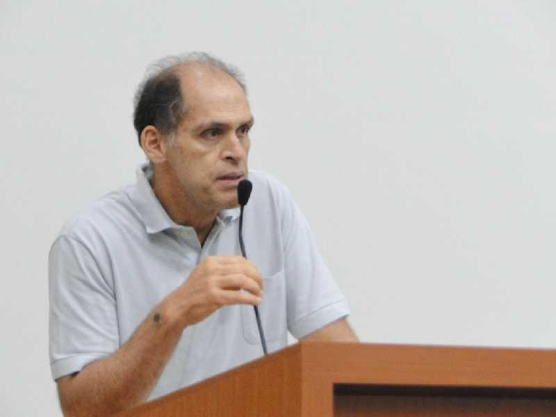 Diretor distrital, Flávio Bócoli, esclareceu dúvidas e disse que para ter tarifa social, população precisa fazer recadastramento do CRAS