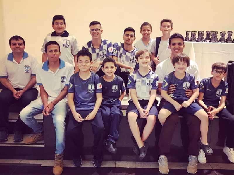 Equipe paraisense no Brasileiro Escolar em Caxambu/MG
