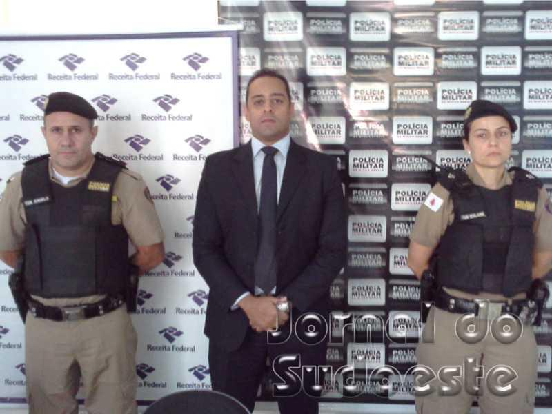 1º Tenente Ângelo Garcia; delegado da Receita Federal Michel Teodoro; 2º Tenente Edilaine Soares
