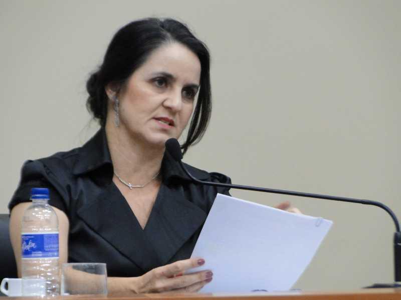 Cidinha pediu que população denuncie para que providências seja tomadas
